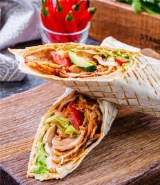 Стрит-фуд с собой и с доставкой!  Шаурма, бургеры, хот-доги, мясные и куриные роллы со скидкой 20%