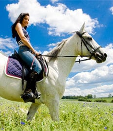 Сказочные прогулки со скидкой до 57% от конного клуба «ПРЕСТИЖ»! Ждем Вас!