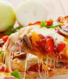 Любимая пицца «Primavera» со скидкой 50%! Приятного аппетита!