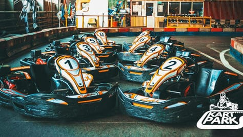 Проводим праздники с пользой! Веселые заезды со скидкой 50% в картинг центре «Kart Park»!