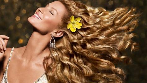Будьте неотразимы этой осенью! Услуги для волос, ногтей, бровей и многое другое со скидкой до 74% в салоне