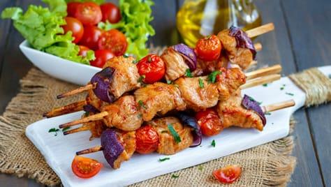 Служба доставки готовой еды «ABRICOS» дарит скидку 50% на блюда с мангала! Приятного аппетита!