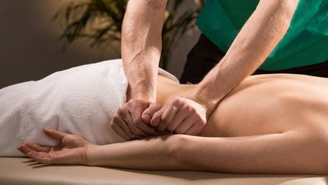 Общий, расслабляющий, спортивный, коррекционный и оздоровительный массаж спины со скидкой до 57% от мастера Дмитрия Васильева!