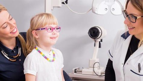 Запишите ребенка прямо сейчас! Бесплатная проверка зрения и консультация детского офтальмолога в салоне оптики
