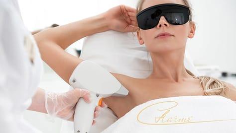 Безболезненно избавиться от ненужных волос позволит лазерная эпиляция со скидкой до 56% в студии