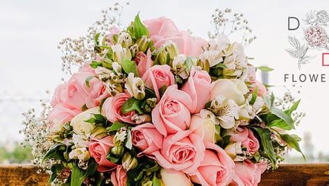 Салон цветов «D FLOWERS D» дарит скидки на готовые букеты, оригинальные съедобные подарочные композиции и цветы в розницу 30%! Удивляй и радуй!
