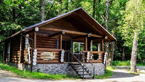 Отдых с душой! Парк-отель «Золотой Осетр» приглашает в гости и дарит скидку 50% на проживание в новых домах!
